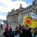 Viele Tausend Menschen demonstrieren für einen schnellstmöglichen Atomausstieg!
